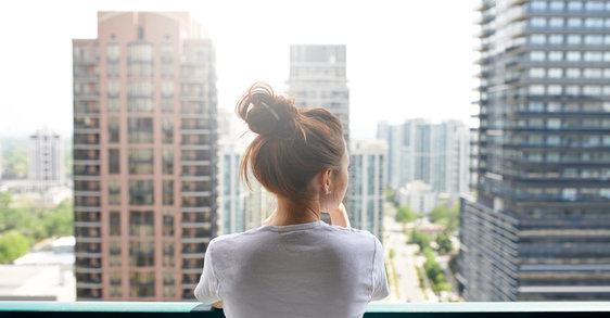 Exposoma: cómo afecta la ciudad a tu piel sensible