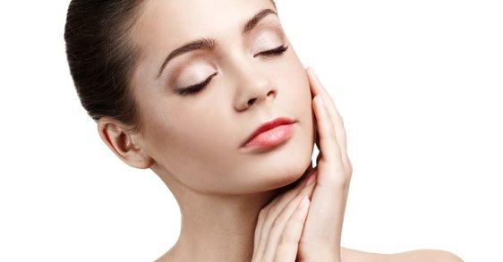 ¿Sabes si estás desmaquillando correctamente tu piel y tus ojos?