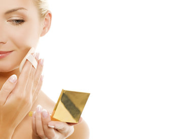 5 Tips para elegir y aplicar la base de maquillaje