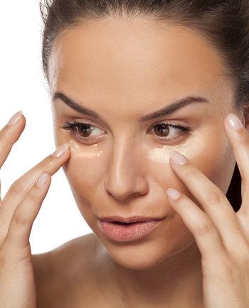 ¿En qué fijarme al elegir maquillaje para piel grasa?