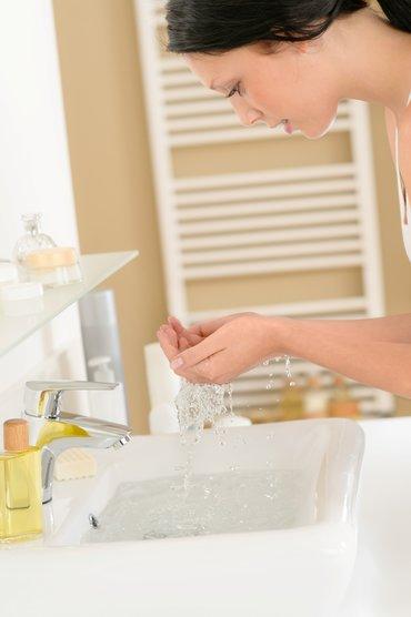 ¿Cómo se aplica el agua termal?
