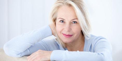¿Qué es la menopausia? Causas, síntomas, fases y tratamiento