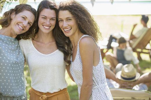 Adapta tu limpieza facial según tu edad