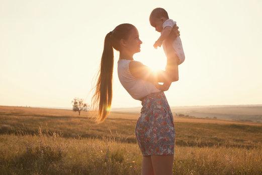 Lactancia y pérdida del cabello: formas de combatirla después del parto